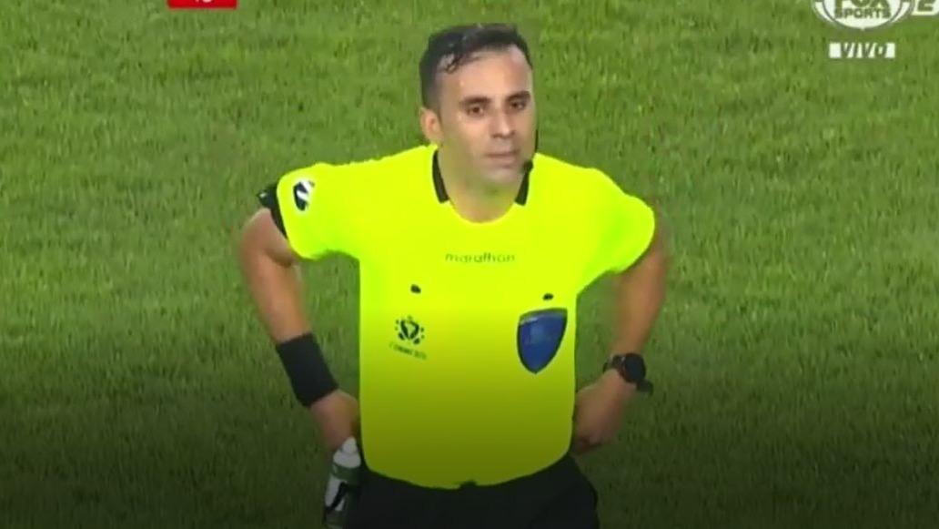 Piero Maza fue protagonista del Universitario contra Independiente del Valle.