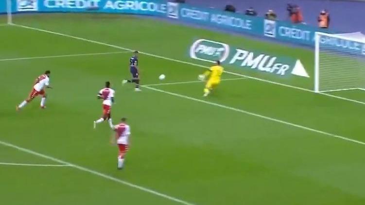 El gol de Mbappé en el PSG contra Mónaco.