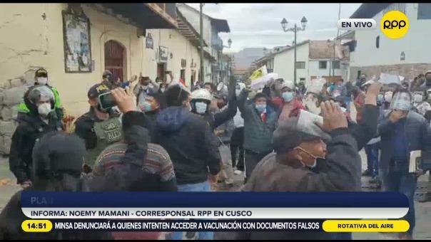 Cusco: plantón en comisaría de Saphi exige la libertad de detenido