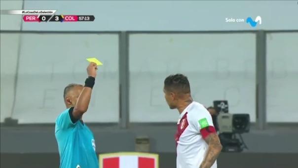 Paolo Guerrero fue amonestado durante el Perú vs. Colombia