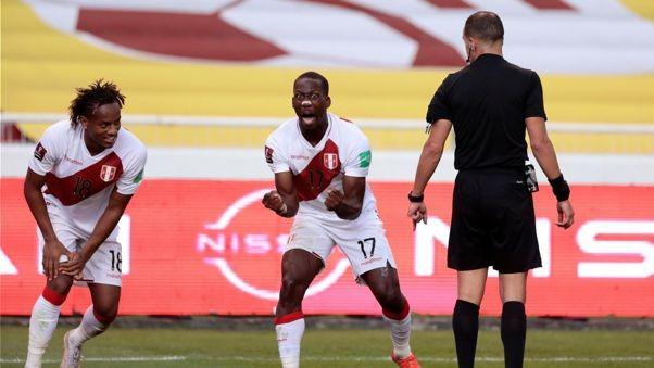 EL segundo gol marcado por Luis Advíncula