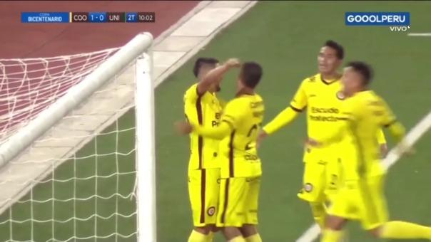 Universitario vs Coopsol: así fue el gol de Maxi Zárate