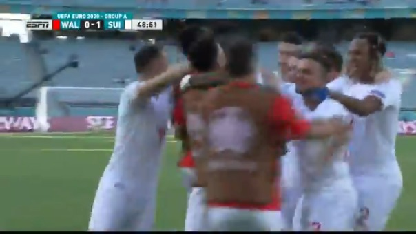 Breel Embolo anotó el 1-0 de Suiza ante Gales
