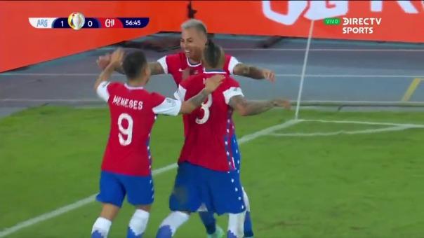 Argentina vs Chile: así fue el gol de Eduardo Vargas