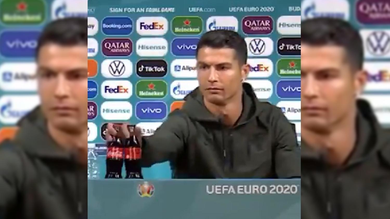 Cristiano Ronaldo recomendó no tomar la gaseosa que auspicia la Euro.