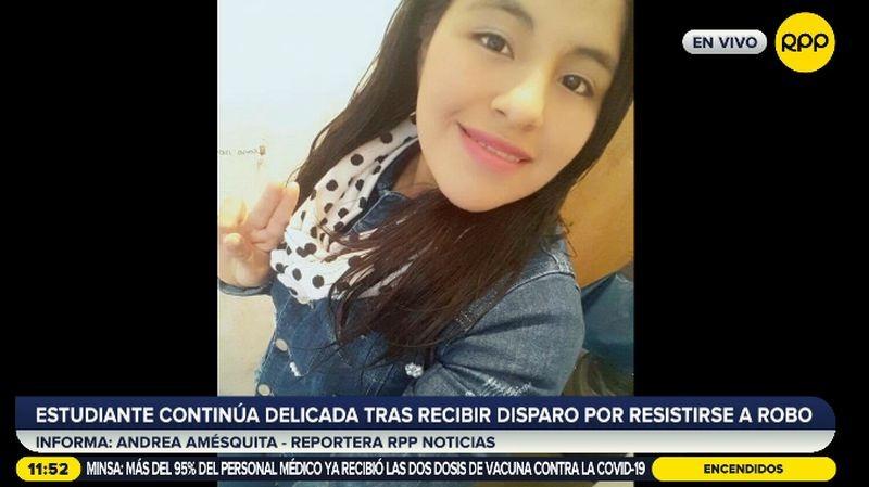 Esther Flores Castro es una joven estudiante de Farmacia.