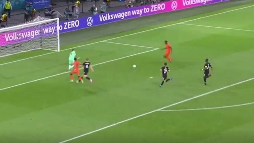 Denzel Dumfries anotó el 2-0 de Holanda vs. Austria por la Eurocopa 2021.