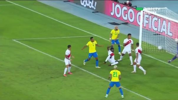 Alex Sandro marcó el 1-0 de Brasil ante Perú