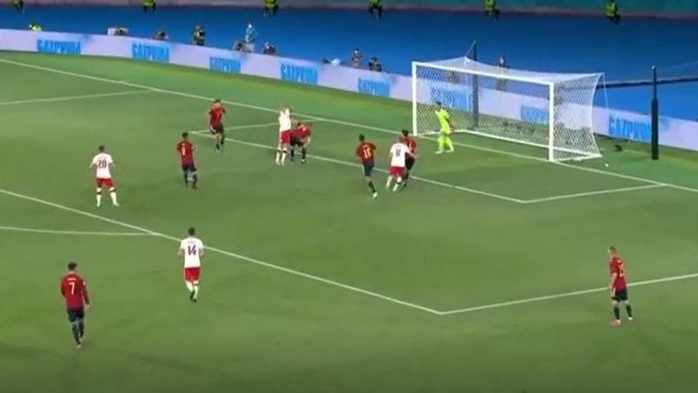 Así fue el gol de Robert Lewandowski ante la Selección de España.