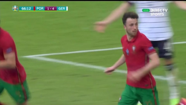 Diogo Jota anotó el descuento 2-4 de Portugal