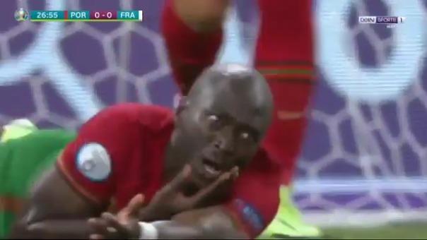 Danilo Pereira recibió fuerte golpe de Hugo Lloris en la Eurocopa