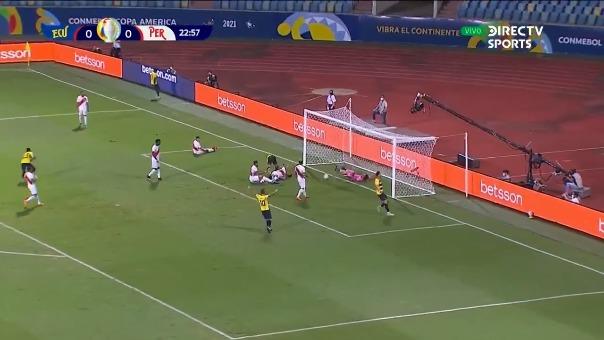Renato Tapia marcó autogol para el 1-0 de Ecuador ante Perú