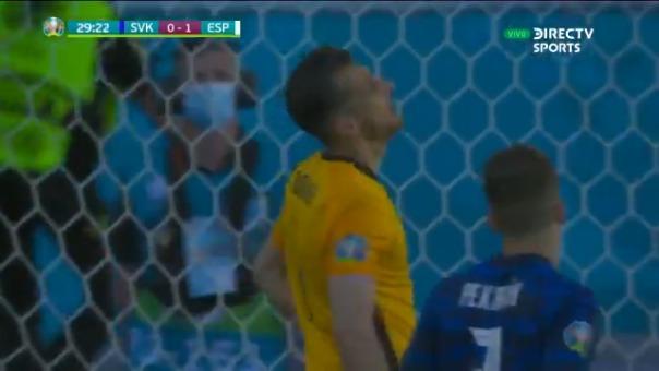 Martin Dubravka marcó insólito autogol para el 1-0 de España