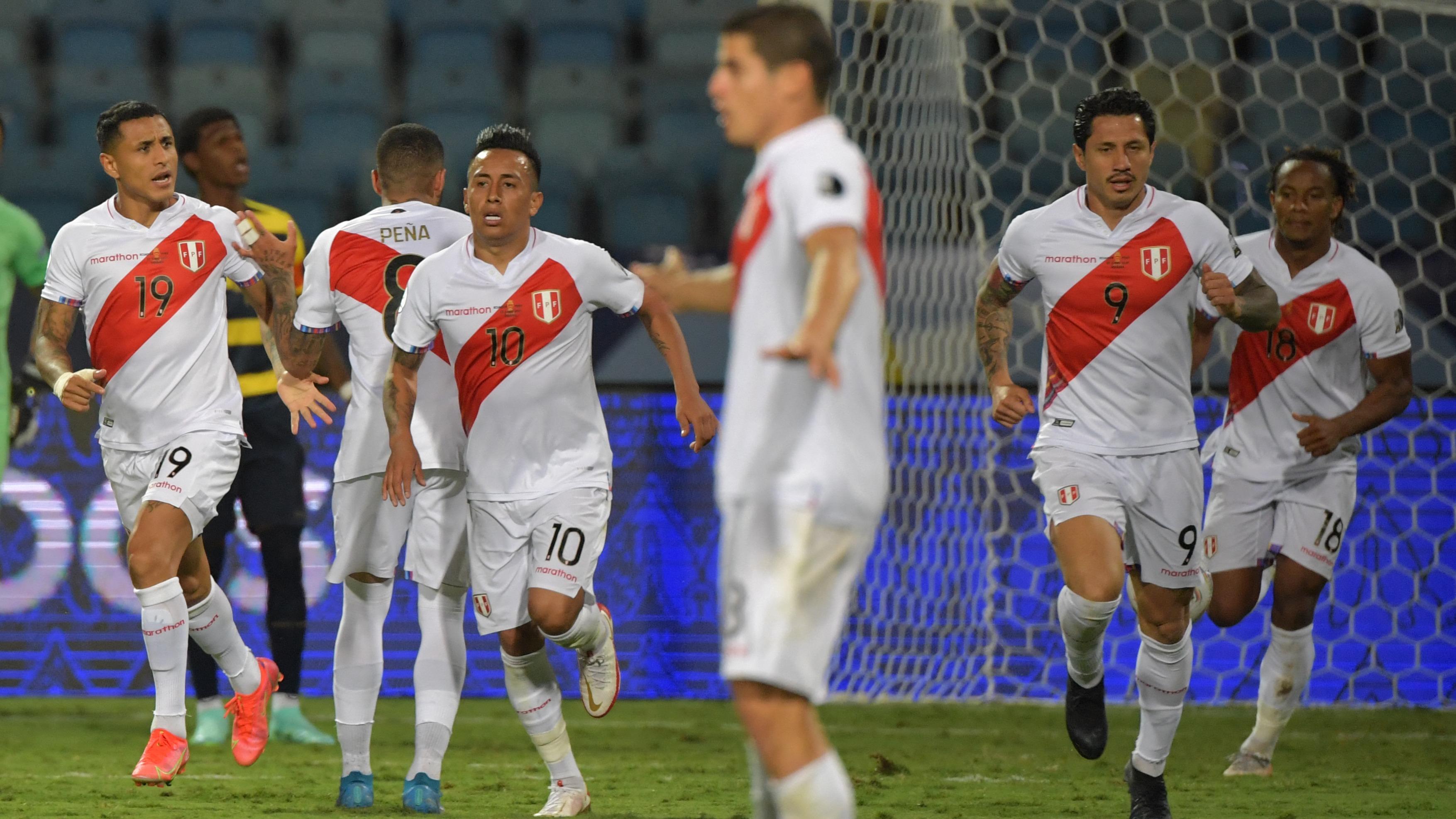 Gol de Gianluca Lapadula ante Ecuador.