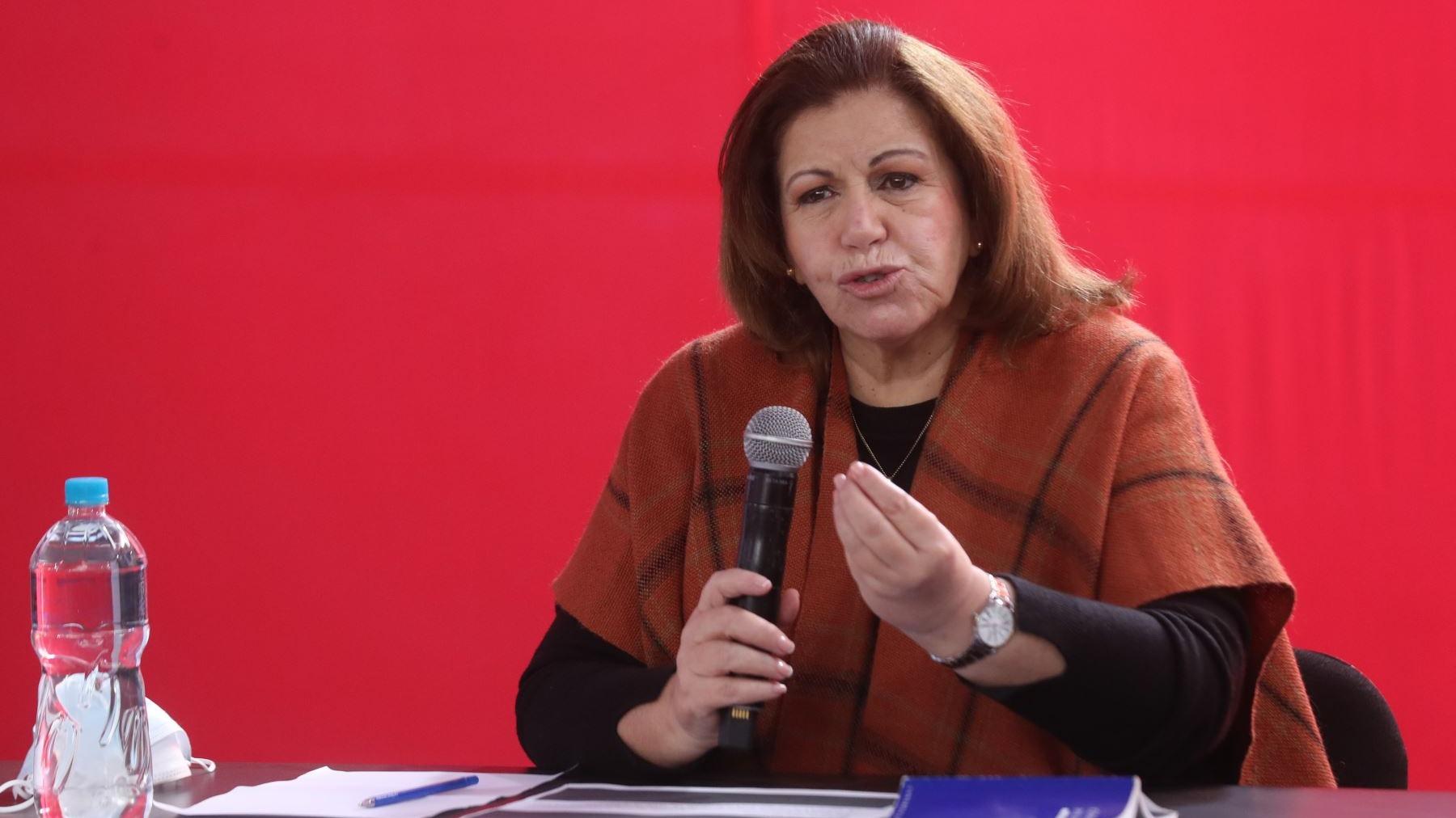 Lourdes Flores se pronunció tras la declinación al cargo del fiscal Luis Arce.