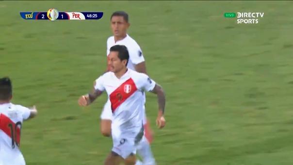 Gianluca Lapadula anotó su primer gol con la Selección Peruana