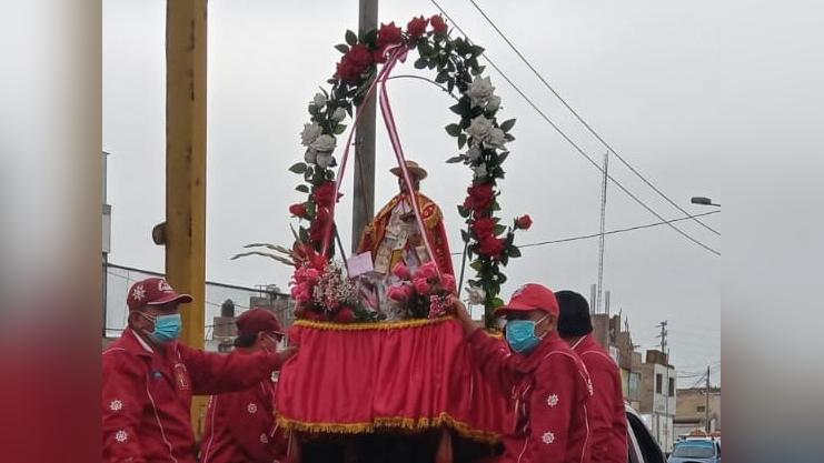 La imagen del santo patrón recorrió el desembarcadero pesquero artesanal, las inmediaciones del hospital La Caleta de Chimbote y diversos barrios.