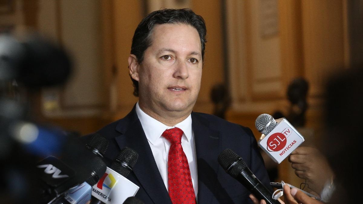 Pedro Castillo se reunió con Daniel Salaverry.
