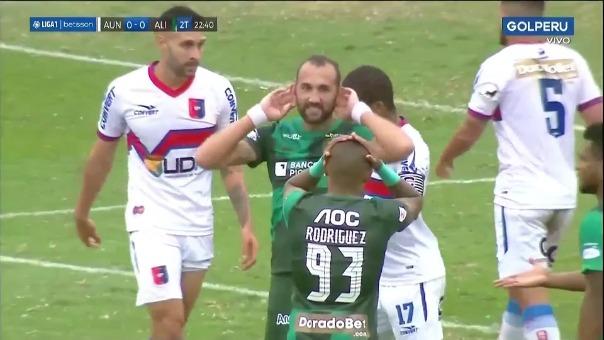 Alianza Lima casi anota