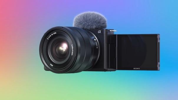 Sony lanza su nueva cámara para 'vloggers' con lente intercambiable.