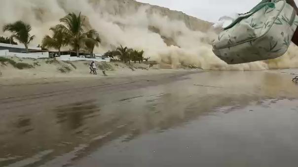Deslizamientos en Colán