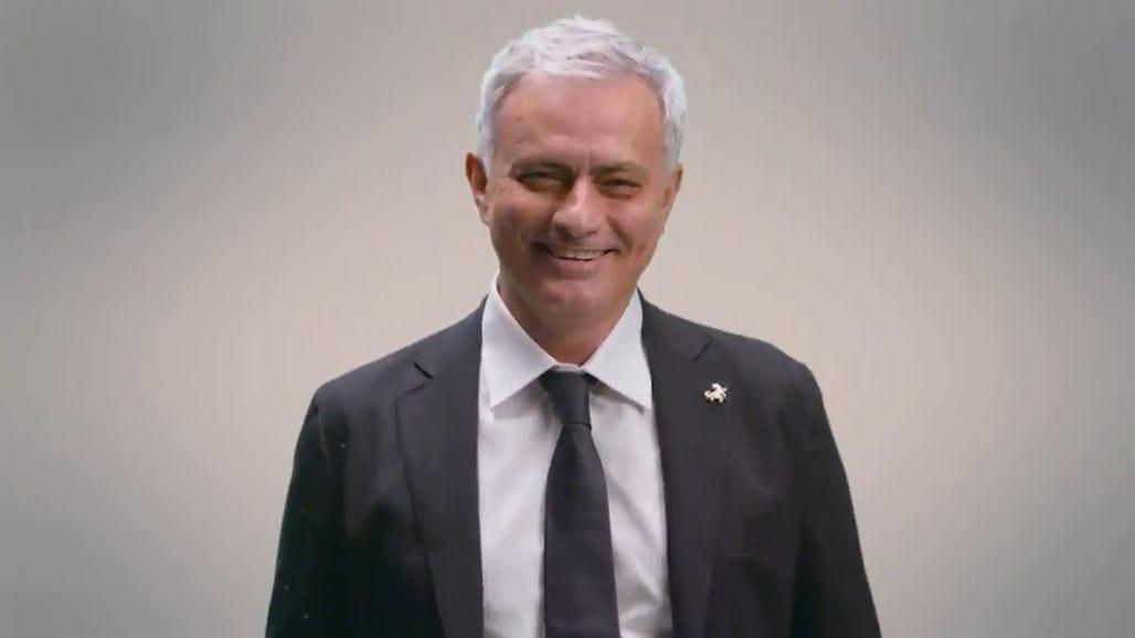 Esto fue la divertida entrevista de Mourinho con el canal de la Roma.