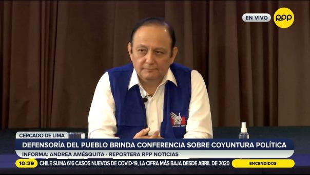 Defensoría del Pueblo brindó conferencia sobre la coyuntura política.