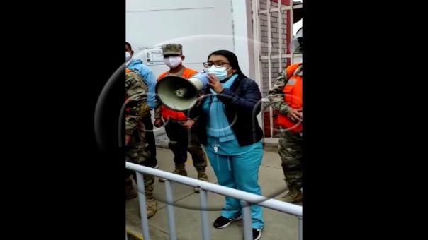 Ciudadanos reportaron falta de vacunas en el estadio Monumental de Puente Piedra