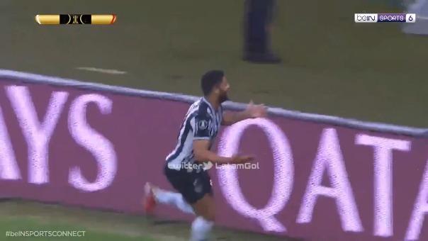 Golazo de Hulk en el 2-0 de Atlético Mineiro sobre River Plate