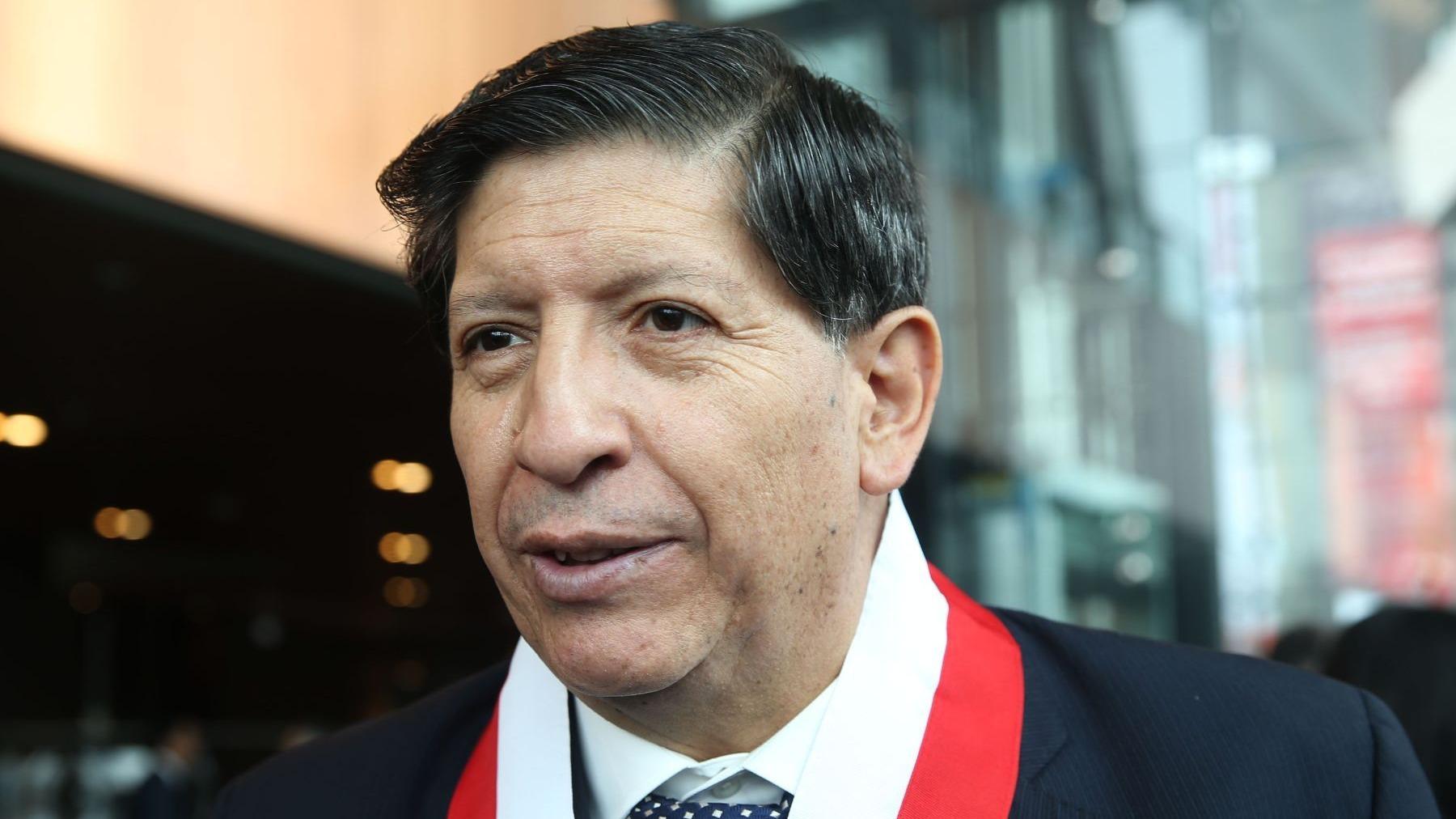 Carlos Ramos Núñez ya había cumplido su periodo en el TC, pero estaba a la espera de que el Congreso elija a su sucesor.