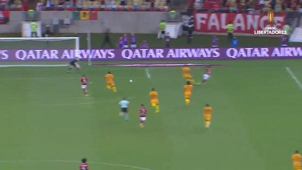 El segundo gol del Flamengo frente al Barcelona SC en Brasil.