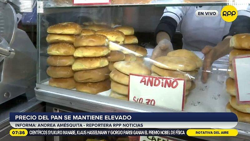 En esta panadería el pan se vende a 30 céntimos la unidad.