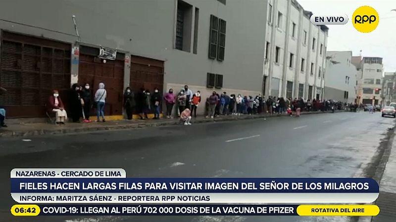 Los fieles han llegado desde distintas partes de Lima e, incluso, desde provincias.