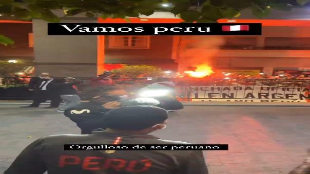 Banderazo de hinchas peruanos