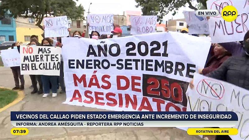 Con pancartas y afiches, los vecinos del Callao pidieron a las autoridades chalacas afrontar el problema.