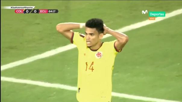Espectacular atajada de Domínguez a Díaz en el Colombia vs. Ecuador