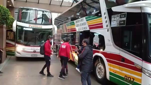Perú trasladándose al estadio Monumental de Buenos Aires